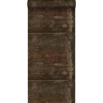 behang grote verweerde roestige metalen platen met klinknagels roest bruin