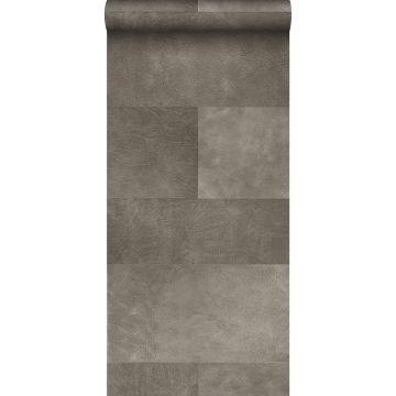 vlies wallpaper XXL tegelmotief met leer look warm grijs
